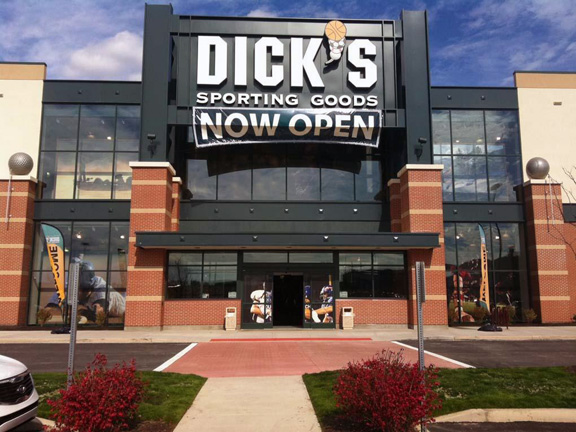 Store front of DICK'S Sporting Goods store in Cranberry Twp., PA