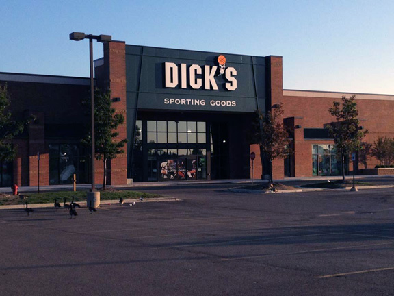 Store front of DICK'S Sporting Goods store in Canton, MI