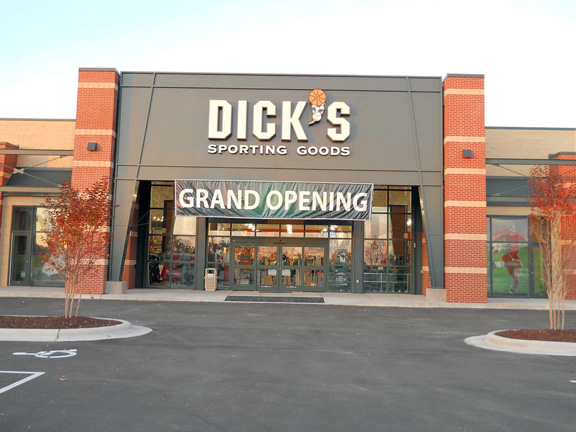 Store front of DICK'S Sporting Goods store in Morehead, NC