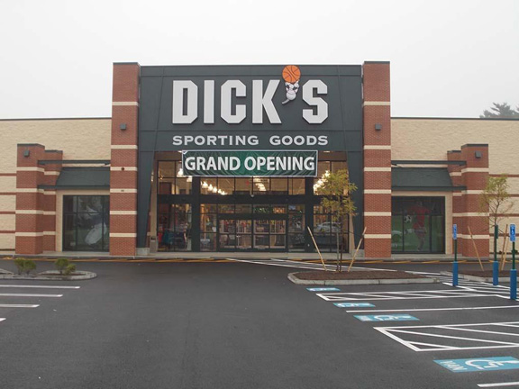Store front of DICK'S Sporting Goods store in Hanover, MA