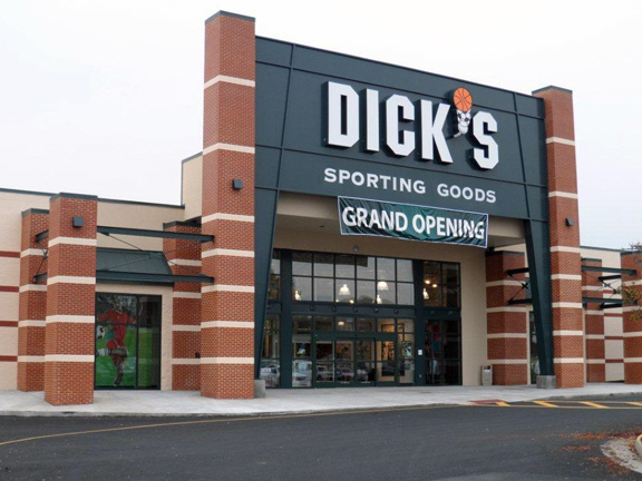 Store front of DICK'S Sporting Goods store in Harrisonburg, VA