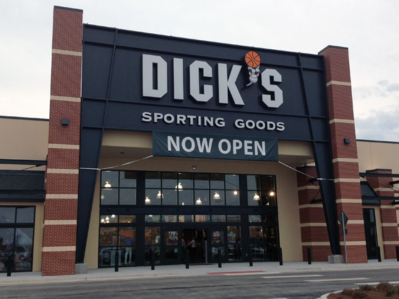 Store front of DICK'S Sporting Goods store in Panama City Beach, FL