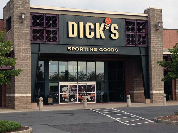 Store front of DICK'S Sporting Goods store in Princeton, NJ