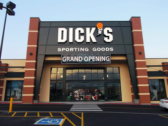 Store front of DICK'S Sporting Goods store in Midvale, UT