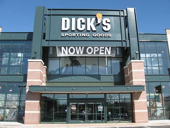 Store front of DICK'S Sporting Goods store in Pleasant Hill, CA