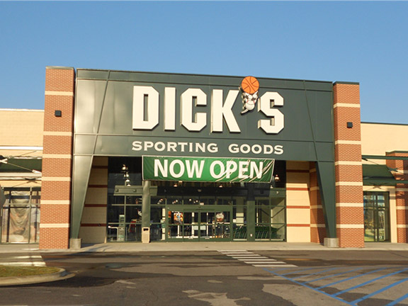 Store front of DICK'S Sporting Goods store in Alabaster, AL