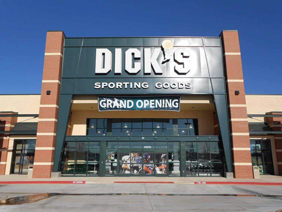 Store front of DICK'S Sporting Goods store in Oklahoma City, OK