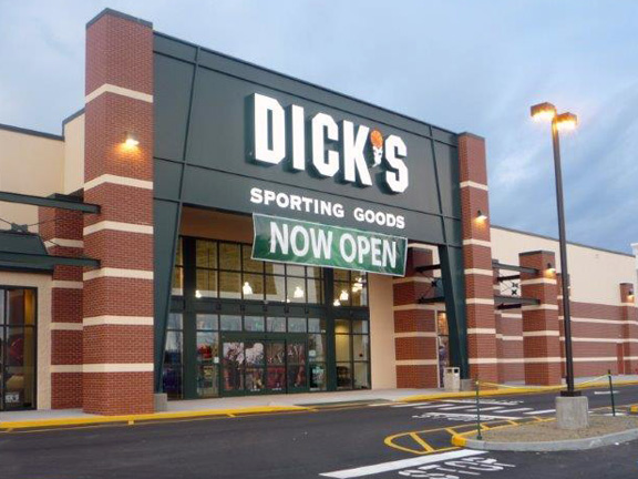 Store front of DICK'S Sporting Goods store in Riverhead, NY