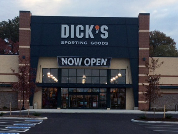 Store front of DICK'S Sporting Goods store in Easton, MD