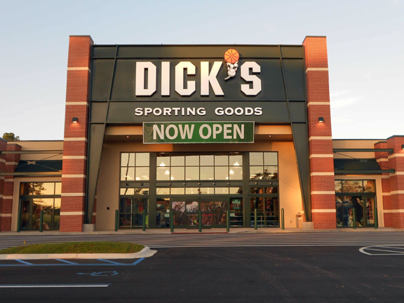 Store front of DICK'S Sporting Goods store in Tallahassee, FL