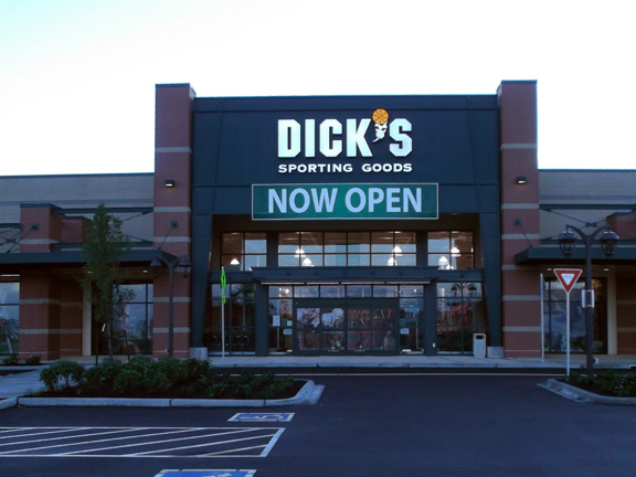 Store front of DICK'S Sporting Goods store in Issaquah, WA