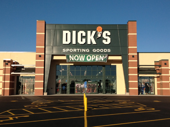 Store front of DICK'S Sporting Goods store in Salina, KS