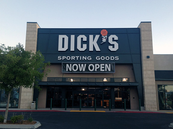 Store front of DICK'S Sporting Goods store in Palmdale, CA