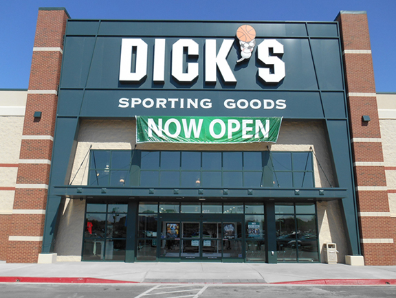 Store front of DICK'S Sporting Goods store in Lawton, OK