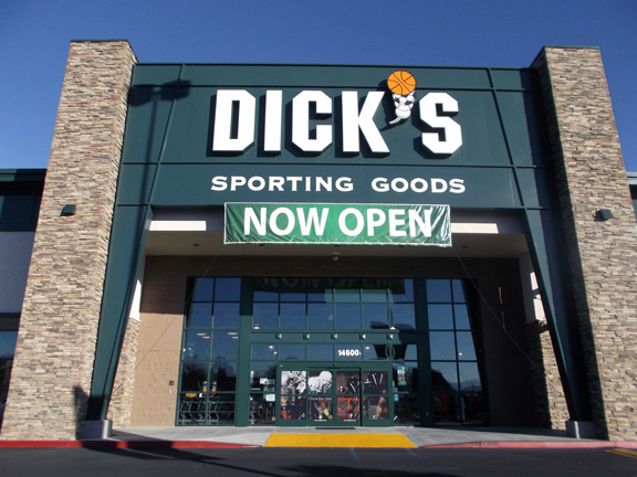 Store front of DICK'S Sporting Goods store in Victorville, CA