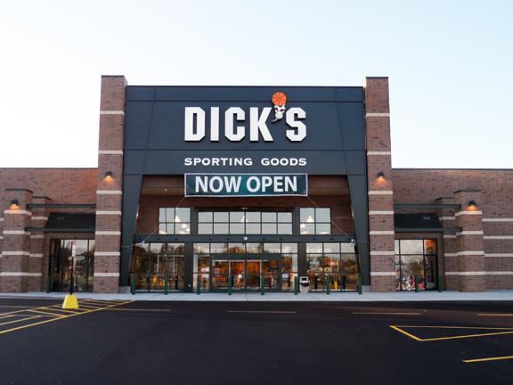 Store front of DICK'S Sporting Goods store in Akron, OH