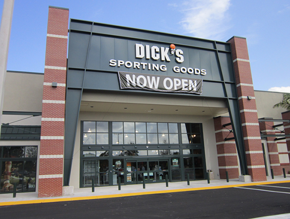 Store front of DICK'S Sporting Goods store in Coral Springs, FL