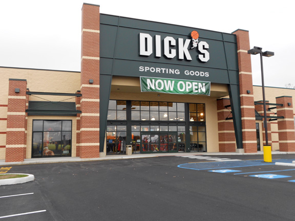 Store front of DICK'S Sporting Goods store in Stroudsburg, PA