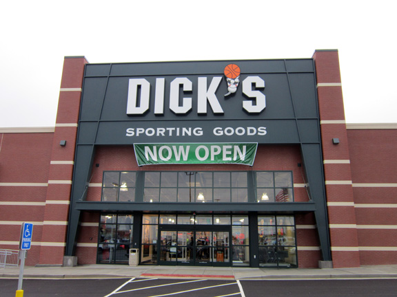 Store front of DICK'S Sporting Goods store in Osage Beach, MO
