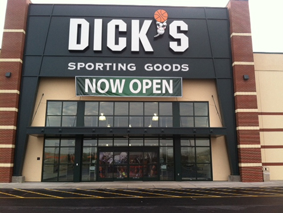 Store front of DICK'S Sporting Goods store in Batavia, NY