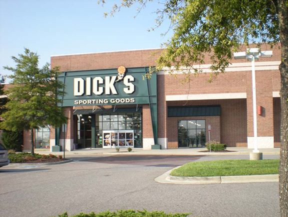 DICK'S Sporting Goods Store in Glen Allen, VA