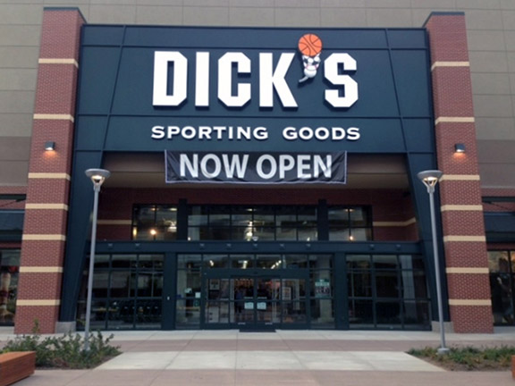 Store front of DICK'S Sporting Goods store in Springfield, VA