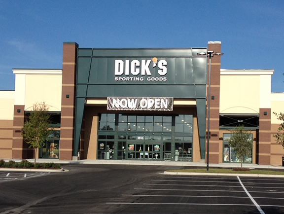 Store front of DICK'S Sporting Goods store in Wilmington, NC