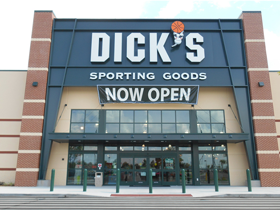 Store front of DICK'S Sporting Goods store in Clermont, FL