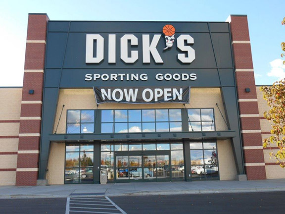 Store front of DICK'S Sporting Goods store in Nampa, ID