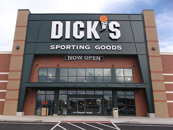 Store front of DICK'S Sporting Goods store in Wentzville, MO