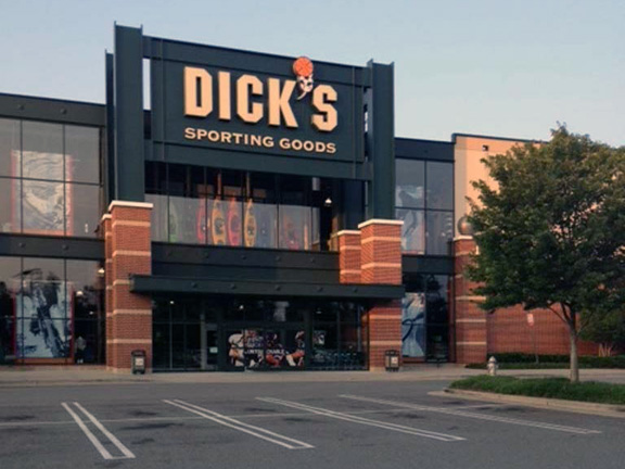 Store front of DICK'S Sporting Goods store in Richmond, VA