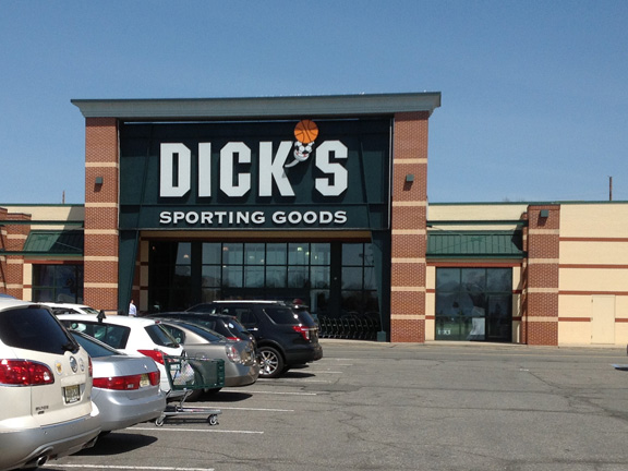 Store front of DICK'S Sporting Goods store in East Hanover, NJ