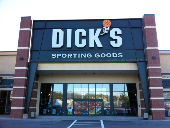 Store front of DICK'S Sporting Goods store in South Portland, ME