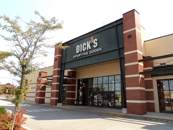 DICK'S Sporting Goods Store in Seekonk, MA