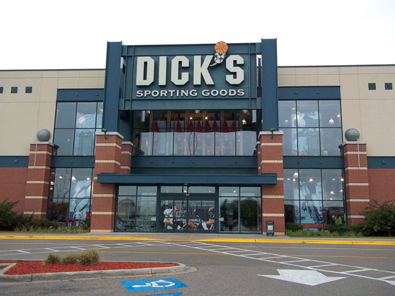 Store front of DICK'S Sporting Goods store in Madison, WI