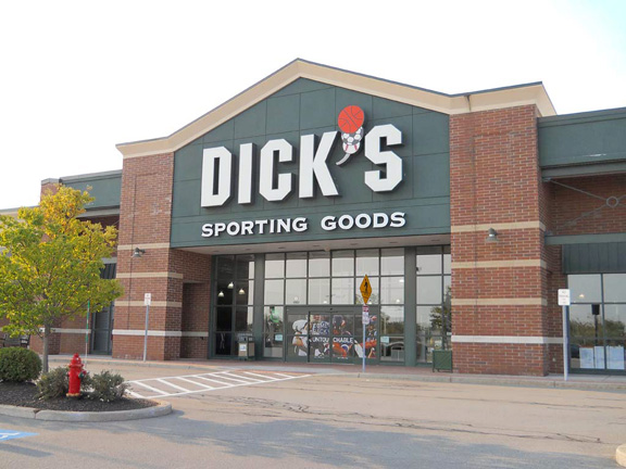 Store front of DICK'S Sporting Goods store in Webster, NY