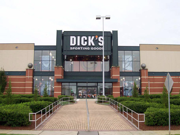 Dicks Sporting Goods Triangle Town Center 3630 Sumner Blvd Raleigh Nc 27616