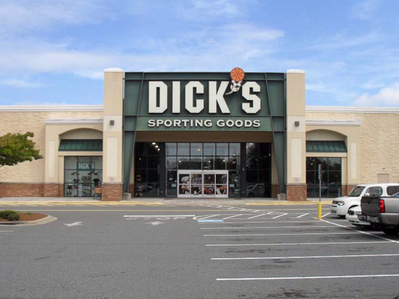 Store front of DICK'S Sporting Goods store in Mooresville, NC