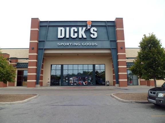 Store front of DICK'S Sporting Goods store in Bloomington, IN