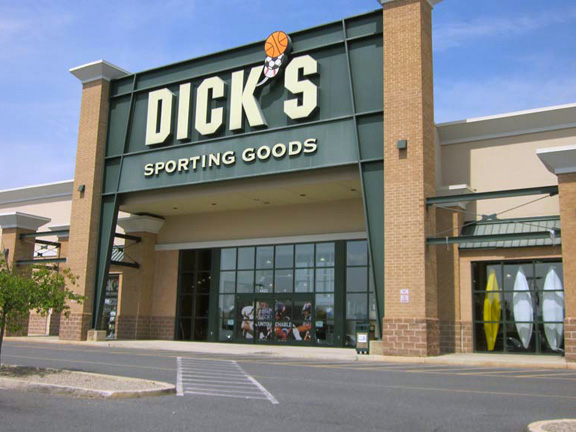 Store front of DICK'S Sporting Goods store in Easton, PA
