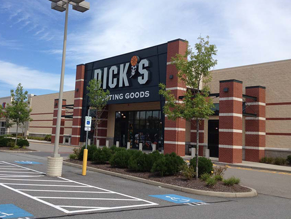 Store front of DICK'S Sporting Goods store in Dartmouth, MA