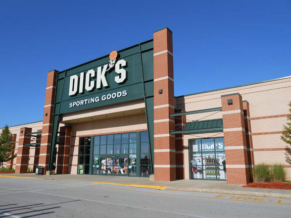 Store front of DICK'S Sporting Goods store in Muskegon, MI