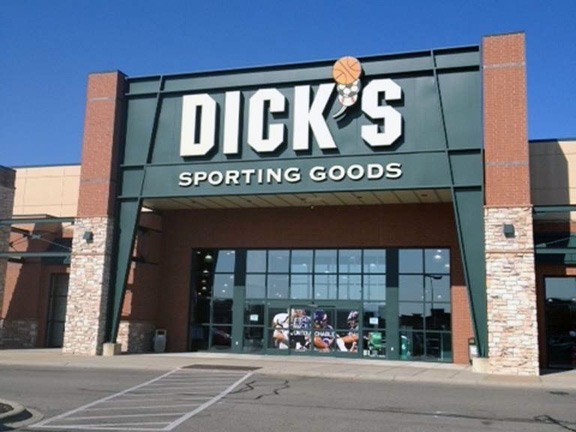 Store front of DICK'S Sporting Goods store in Hamilton, OH
