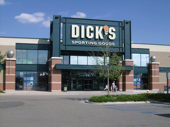 Store front of DICK'S Sporting Goods store in Loveland, CO