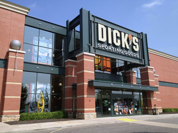 Store front of DICK'S Sporting Goods store in Lake Grove, NY