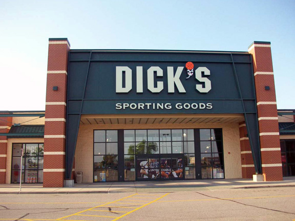 Store front of DICK'S Sporting Goods store in Burnsville, MN