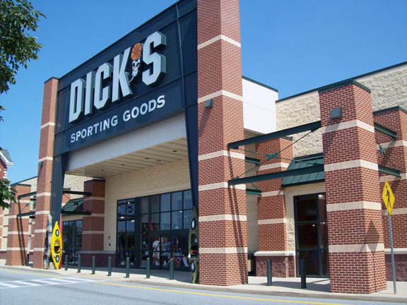 Store front of DICK'S Sporting Goods store in York, PA