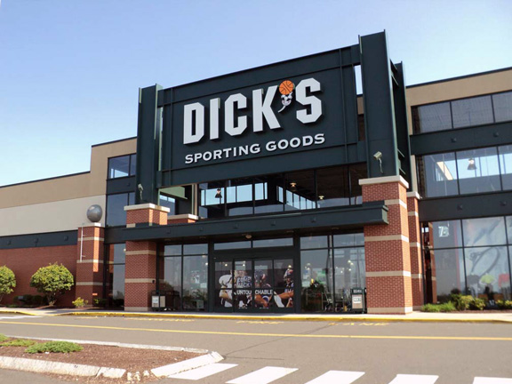 DICK'S Sporting Goods Store in Manchester, CT