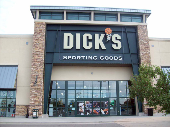 Store front of DICK'S Sporting Goods store in Longmont, CO