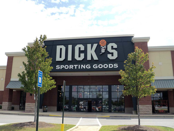 Store front of DICK'S Sporting Goods store in Columbus Park, GA